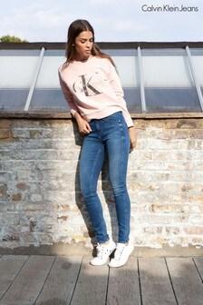 סקיני ג&#39;ינס בגזרה בינונית של <bdo dir=&quot;ltr&quot;>Calvin Klein</bdo>, בצבע כחול