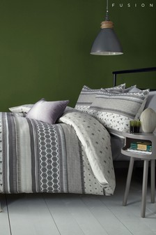 Fusion Retrace Bed Set