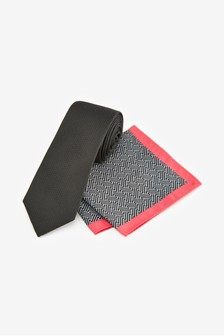 Tie With Geometric Pocket Square Set