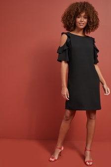 Sukienka z wycięciem na ramiona i marszczeniami