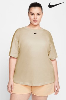 Nike Curve Boyfriend Fit T-Shirt