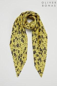Żółta kwadratowa apaszka plisowana w kwiaty Oliver Bonas Martha