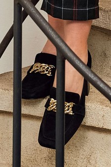 Leather Chain Hardware Heeled Loafers
