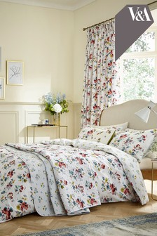 V&A Sweet Geranium Duvet Cover and Pillowcase Set