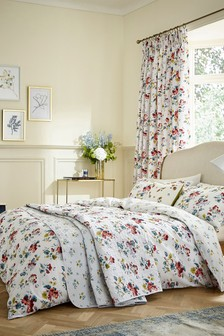 V&A Sweet Geranium Pencil Pleat Curtains