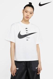 Nike Swoosh Boyfriend Fit T-Shirt