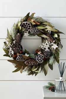 Winter Collection Luxe Fragranced Wreath