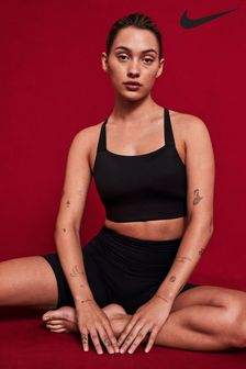 "Nike Yoga Luxe 7"" Shorts"