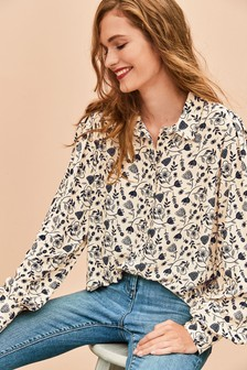Curved Collar Soft Shirt