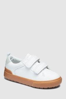 حذاء بحزامين (الصغار)