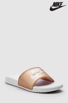 Nike JDI. Benassi