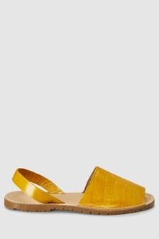 Пляжные сандалии