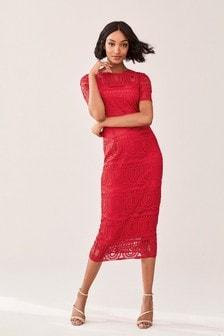 Кружевное платье из ткани премиального качества