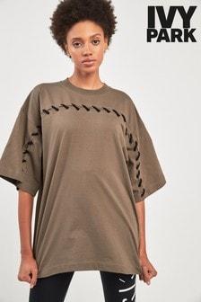 חולצת טי בגזרת אוברסייז של Ivy Park דגם Craft בירוק זית