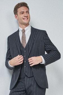 Полосатый костюм