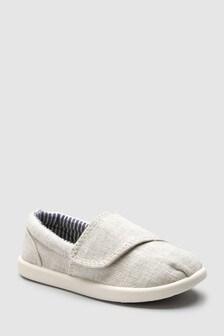حذاء رياضي قماشي (الصغار)