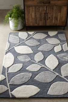 Graphic Leaf Rug