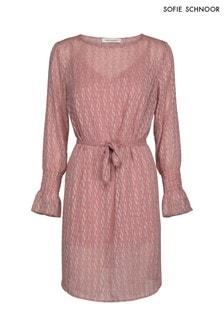 Różowa sukienka fartuchowa, teksturowana Sofie Schnoor
