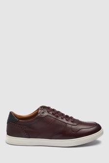 Элегантная спортивная обувь