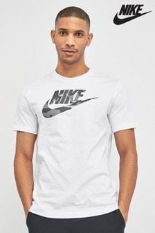 Белая футболка с камуфляжным логотипом Nike