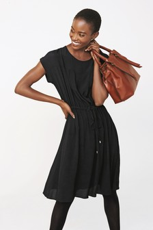 Sukienka koszulkowa ściągana sznurkiem