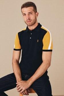 Poloshirt mit Blockfarben an der Schulter