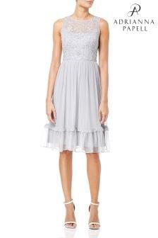 فستان حفلات طبقات متوسط الطول خرز من Adrianna Papell