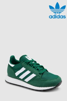 Modelo Forest Grove Youth de adidas Originals