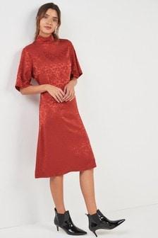 Hochgeschlossenes Jacquard-Kleid