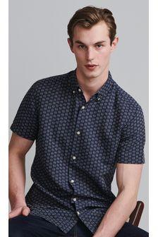 Regular Fit Textured Short Sleeve Shirt
