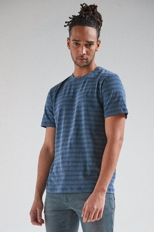חולצת טי בגזרה רגילה עם פסים
