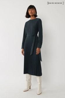 فستان متوسط الطول كسرات كم طويل أخضر من Warehouse