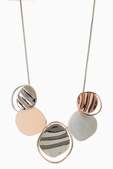 Wave Effect Metal Necklace