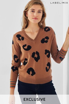 Mix/Madeleine Thompson Animal V-Neck Knit Jumper