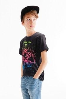 Футболка с игровым пультом с эффектом брызг краски (3-16 лет)