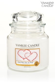 Yankee Candle Classic Medium Snow In Love Candle