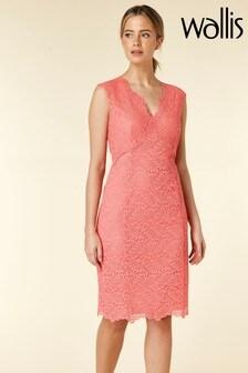 Wallis Pink Petite Lace Scallop V-Neck Dress