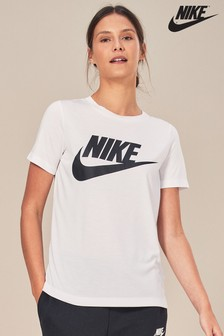 T-shirt Nike Essential