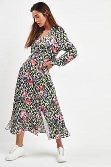 Saténové šaty po kolená