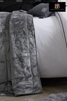 כיסוי מיטה מרופד מקטיפה מובחרת שלLaurence Llewelyn-Bowen דגםConcierge