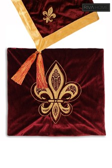 Fleur de Lys Floral Tassel Throw by Riva Home