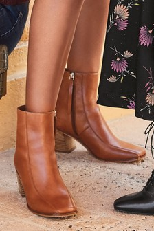 Square Toe Signature Western Boots