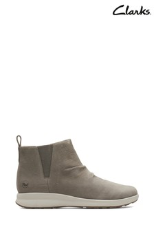 Clarks Natural Un Adorn Mid Boot