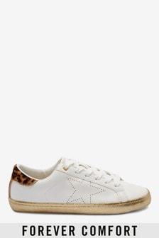 נעלי ספורט עם כוכבים מטאליים