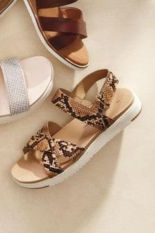 Forever Comfort Crossover Band Sandals