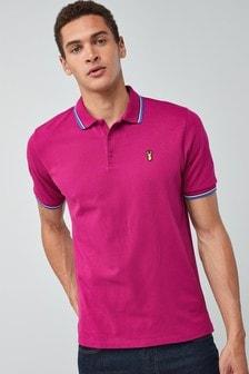חולצת פולו עם סמל בשוליים