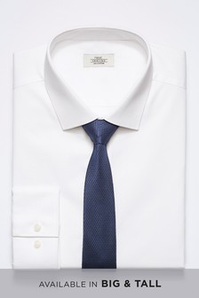 Ensemble chemise et cravate bleu marine