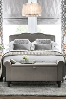 Delilah Vintage Bed