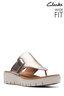 Clarks Wide Fit Gold Un Karely Sea Sandal