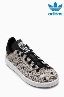 נעליים של adidas Originals דגם Stan Smith בדוגמת זברה